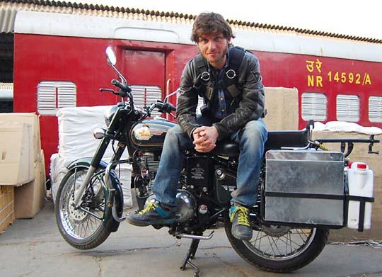 Guy-Martin-2015-Enfield-India.jpg