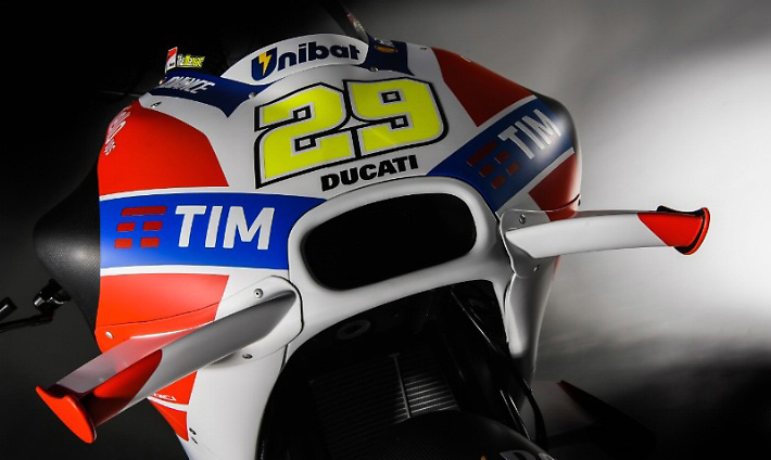 2016-Ducati-Desmosedici-GP16-29-Flügel.jpg