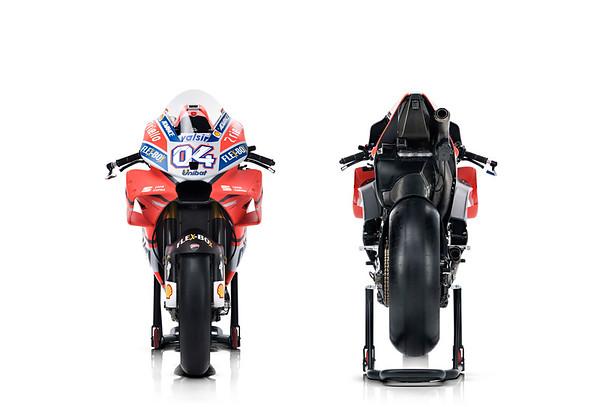 2018-Ducati-Desmosedici-GP18-vorn-hinten.jpg
